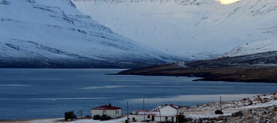 Bæjarráð Fjarðabyggðar kallar eftir leyfum til laxeldis
