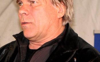 Einar Kárason rithöfundur  móðgar hyskið af landsbyggðinni